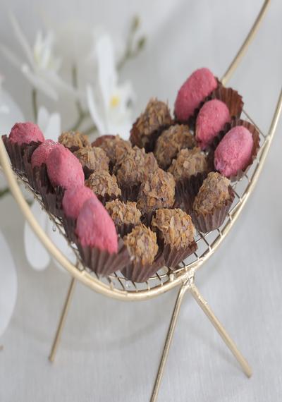 Crunchy Chocolate Dates